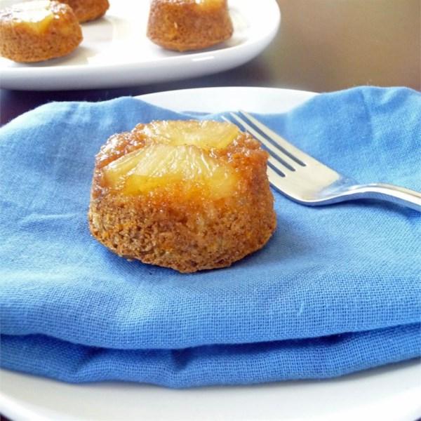 Receita de Muffins de abacaxi de cabeça para baixo
