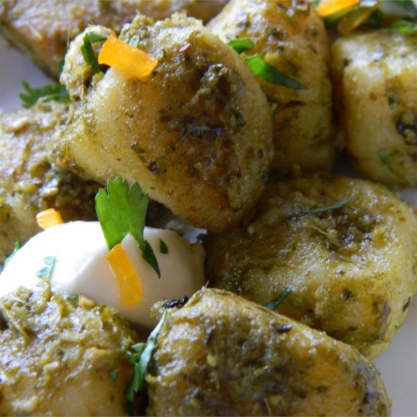 Nhoque com Receita de Frango, Pesto e Mussarela Fresca
