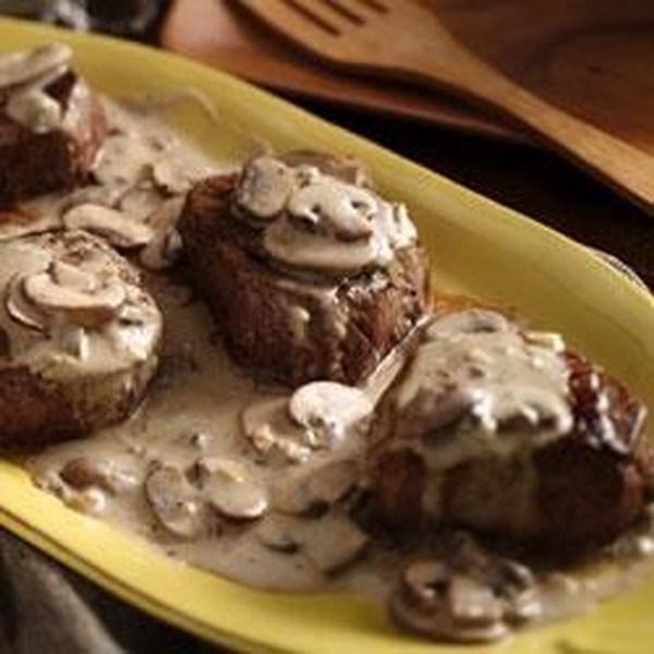 Lombode carne com receita de molho de cogumelo-alho