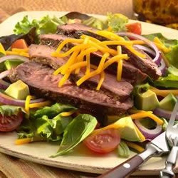 Receita de Salada de Filé de Pimenta Grelhada