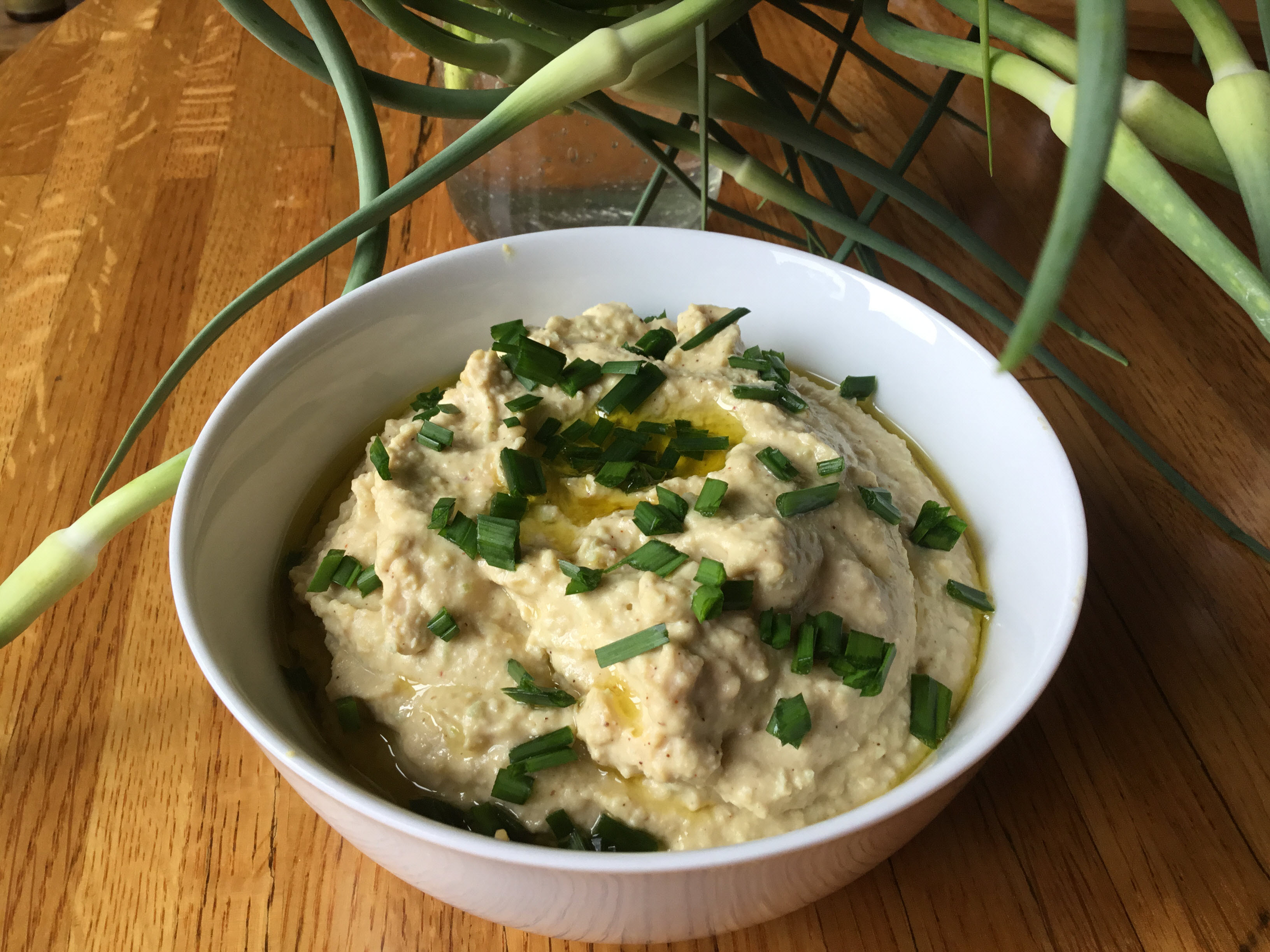 Receita de Hummus de Scape de Alho