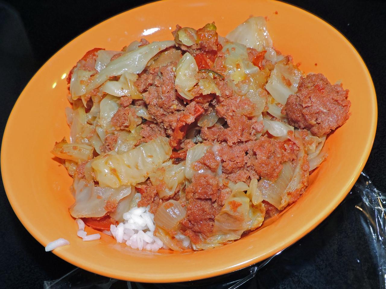 Receita de Carne Enlatada Filipina e Repolho