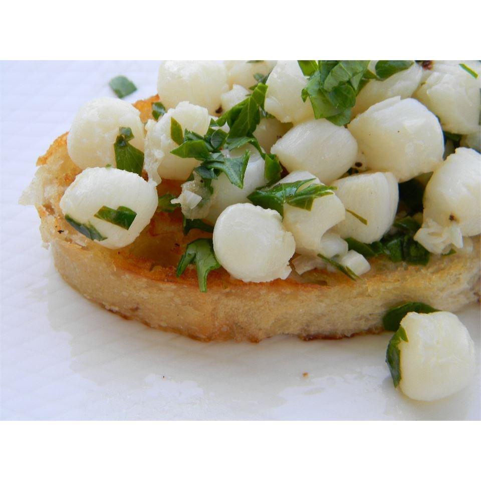 Vieiras da Baía com Receita de Molho de Manteiga de Salsa de Alho