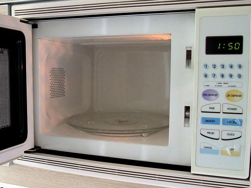 reasons why microwave oven cooking