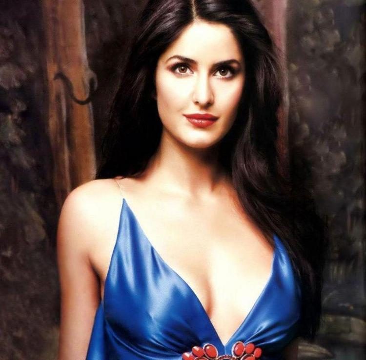 Katrina Kaif Fairy Attractive Face Look Still