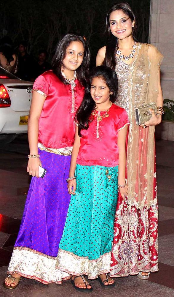 Madhoo with Her Daughters Ameyaa and Keia at Esha Deol Sangeet Ceremony