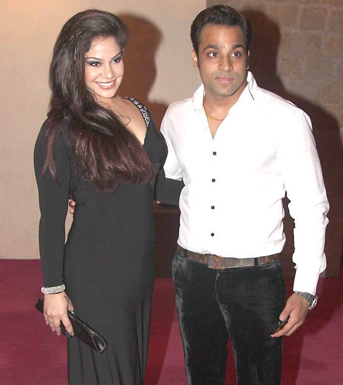 Abhishek Avasthi at SAB Ke Anokhe Awards 2012