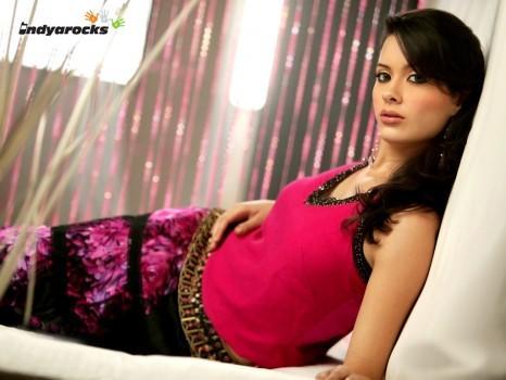 Spicy Actress Isha Sharvani Photo
