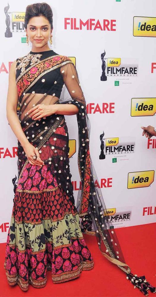 Bollywood Hot Babe Deepika Padukone at 59th Filmfare South Awards