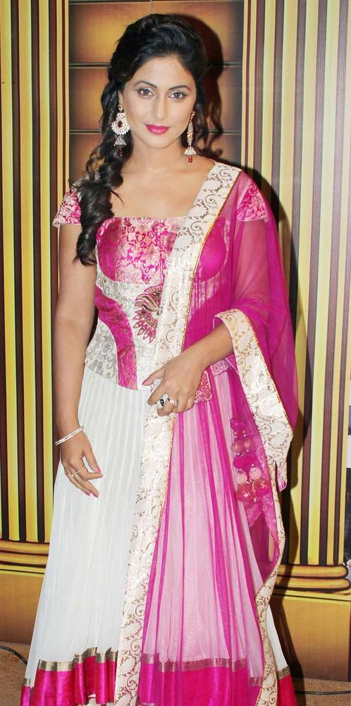 Hina Khan At The 5th Boroplus Gold Awards