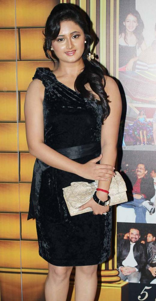 Rashmi In Black Dress At The 5th Boroplus Gold Awards