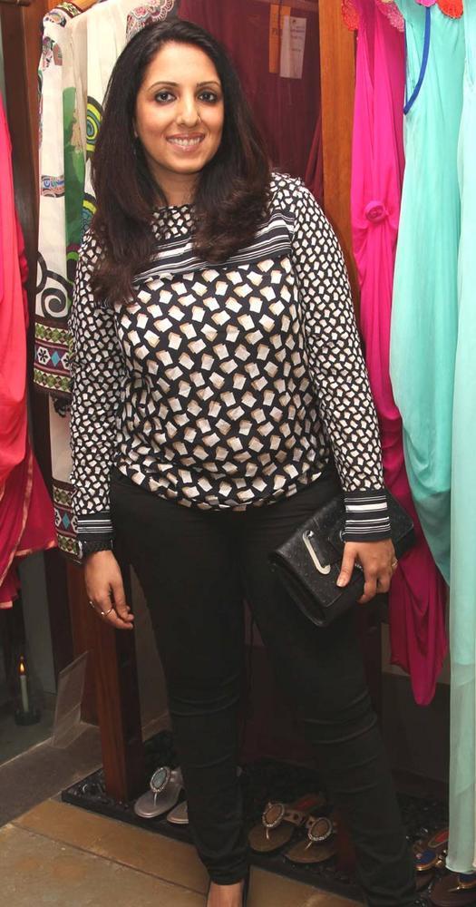Munisha Khatwani Sweet Look at a Fashion Shop