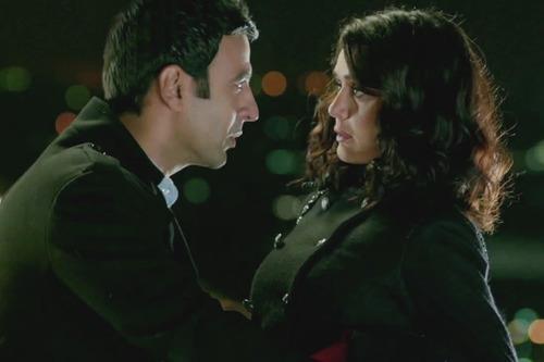 Preity Zinta and Rhehan Malliek Sexy Still In Ishkq In Paris