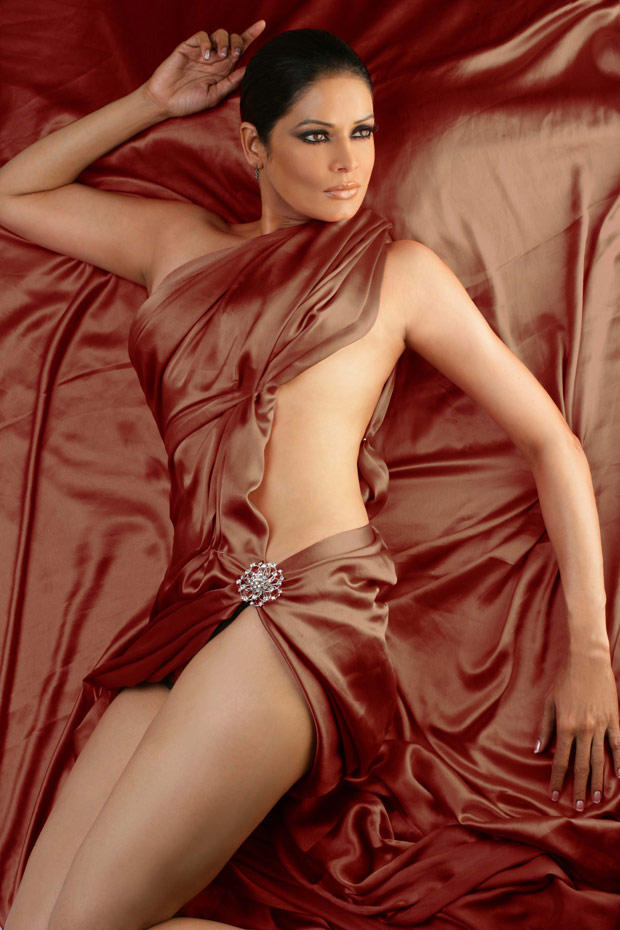 Poonam Jhawar Spicy Hot Photo Shoot