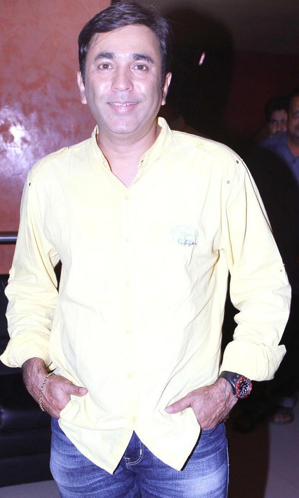 Pushkar Shrotri Nice Look During No Entry Pudhe Dhokha Aahe Premiere