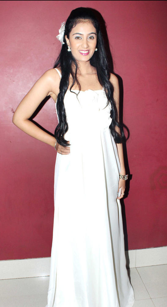 Sai Lokur Looking Gorgeous at No Entry Pudhe Dhokha Aahe Premiere