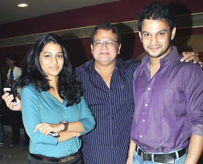 Urmila,Mahesh with son Adinath Kothare at No Entry Pudhe Dhokha Aahe Premiere