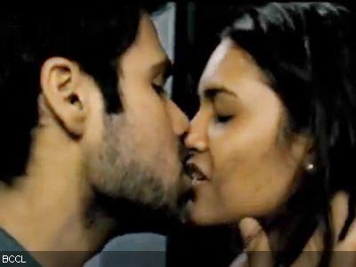 Emraan and Esha Spicy Lip Kiss Pic In Raaz 3