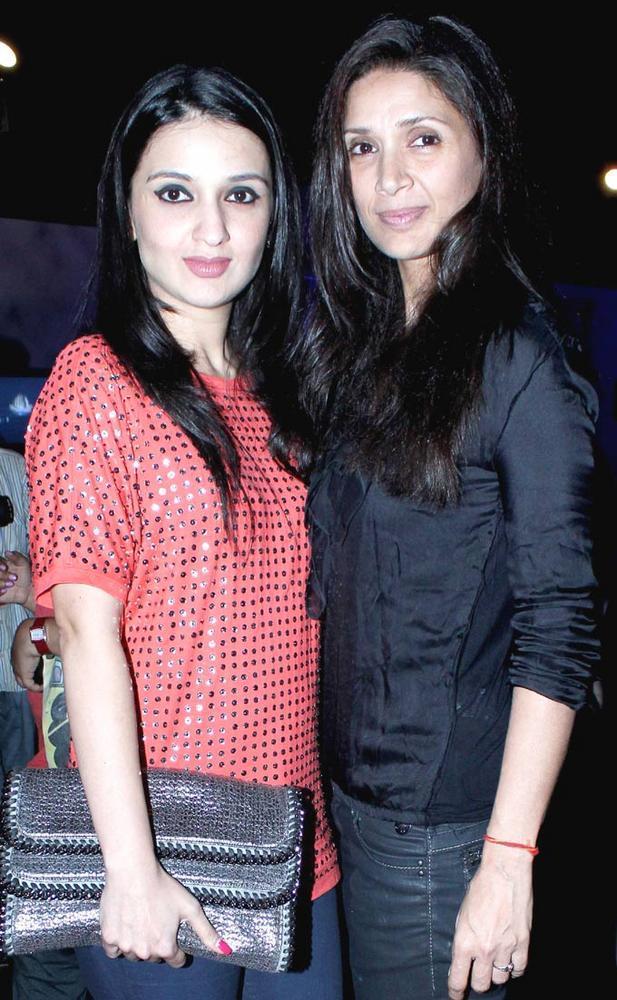 Anu Devan and Mehr Jessia at AVIBFW 2012 Finale Show