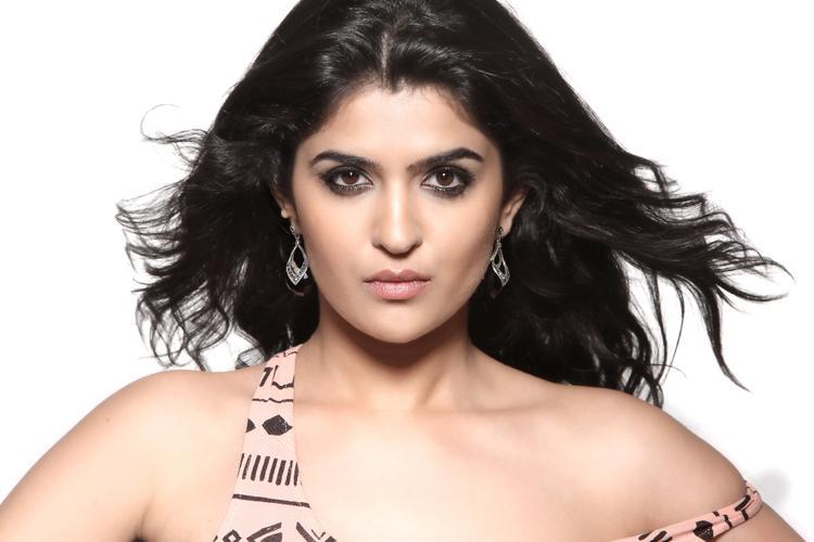 Glam Babe Deeksha Seth Hot Pic
