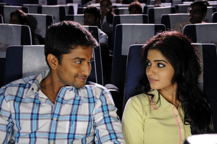 Naveen And Samantha Smiling Face Look Still From Yeto Vellipoyindi Manasu Movie