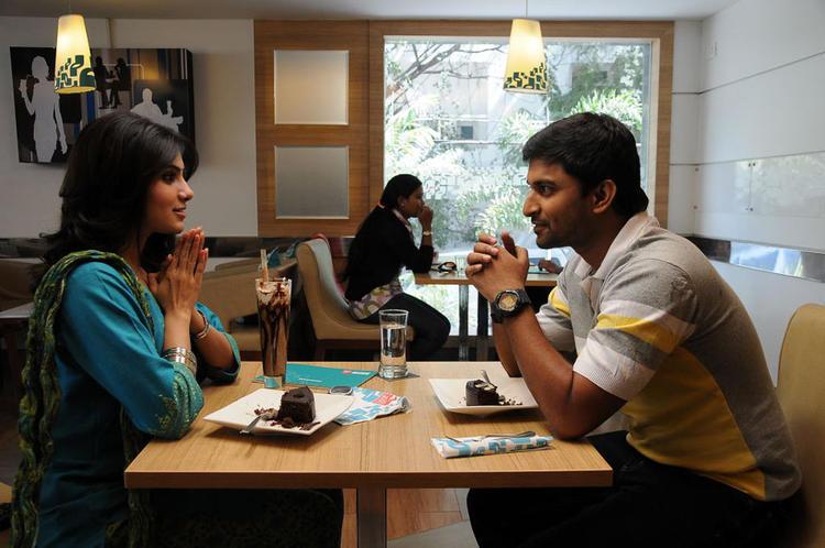 Samantha And Naveen Exclusive Still From Yeto Vellipoyindi Manasu Movie