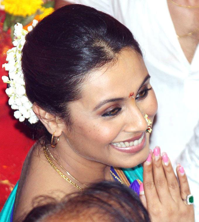 Rani Mukherjee At A Ganesh Mandal in Mumbai