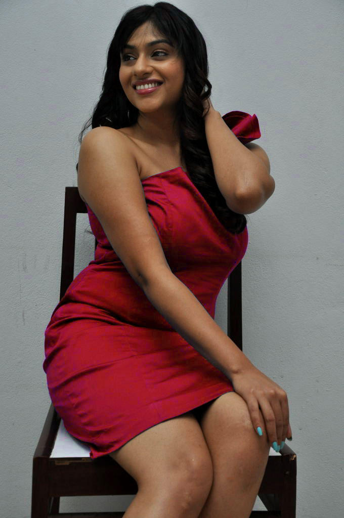 Lakshmi Nair Looks Hot In This Dress