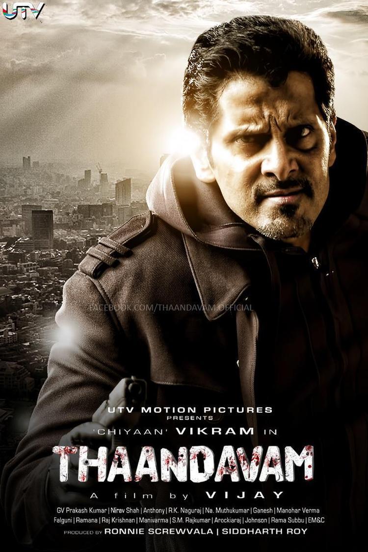 Vikram Angry Look In Thandavam Movie Wallpaper