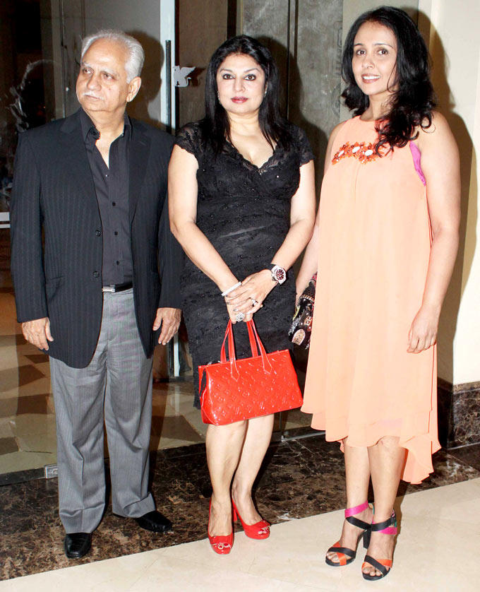 Ramesh,Wife Kiran With Suchitra At Shashi And Anu Ranjans 25th Anniversary Bash