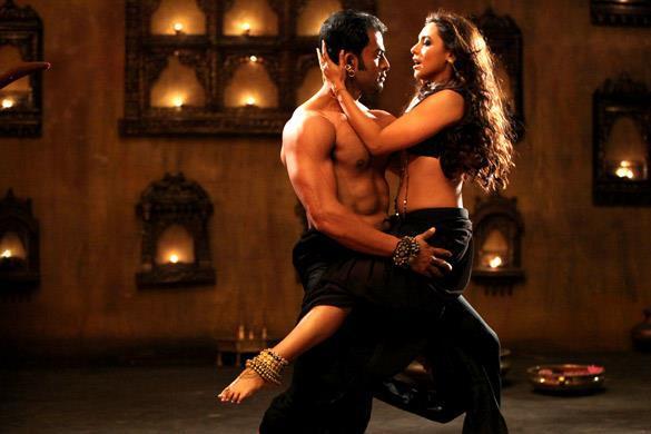 Rani Mukherjee And Prithviraj Hot Still In Aiyya