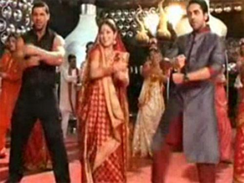 John With Yami And Ayushmann Dancing Paani De Rang Song From Vicky Donor