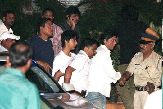 SRK at Yash Chopra's Funeral