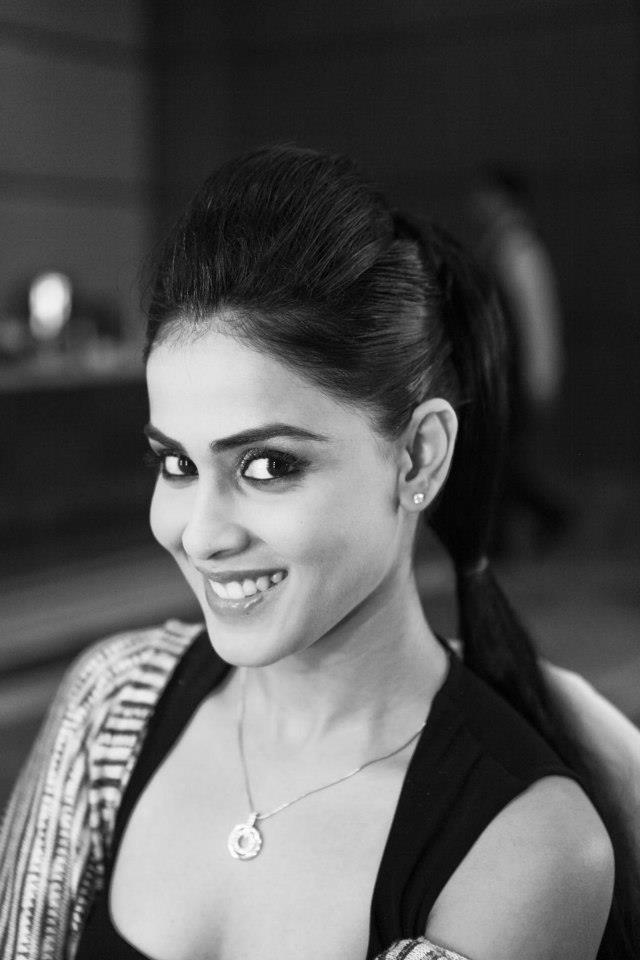 Genelia Nice Look With Cute Smiling Still At BPFT 2012
