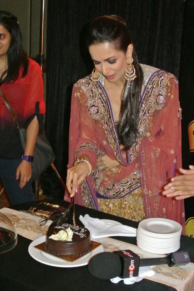 Malaika Sliced Birthday Cake Still At BPFT 2012 In Delhi