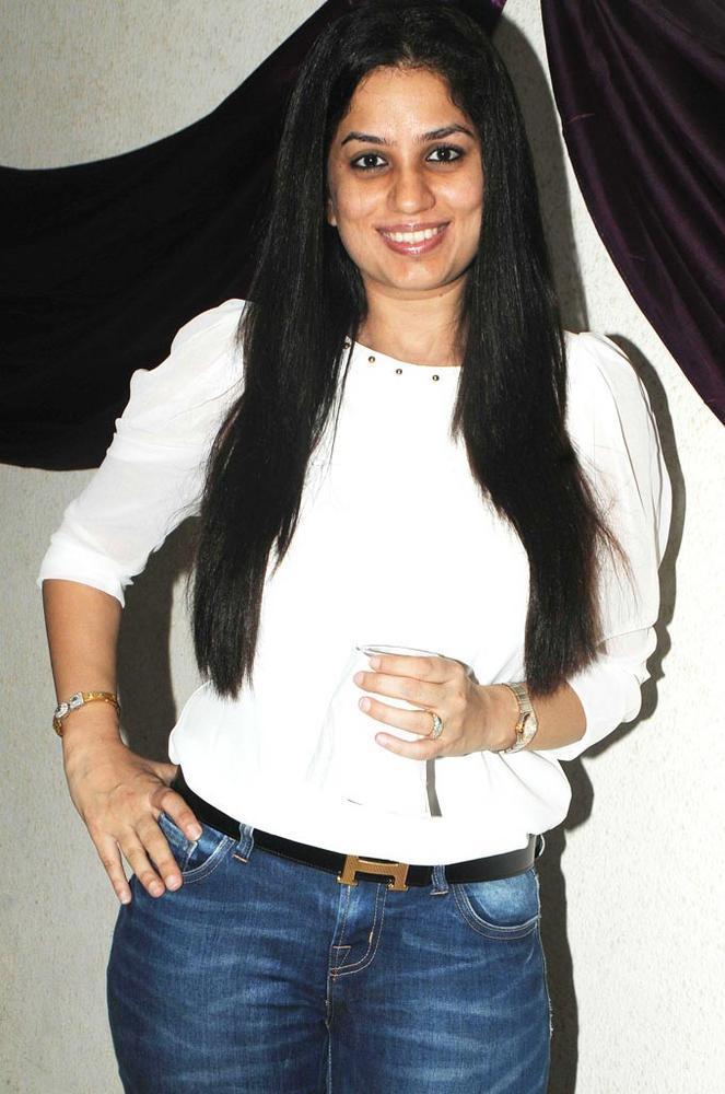 Manju Smiling Face Look Still At Amy Billimoria Birthday Bash