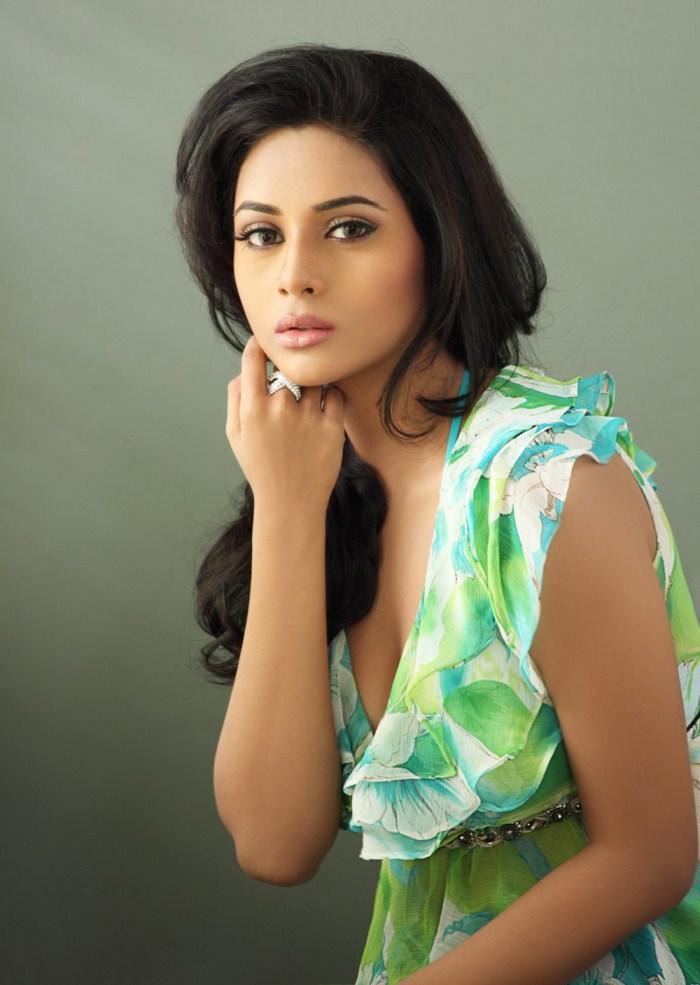 Suza Charming Look Photo Shoot Still