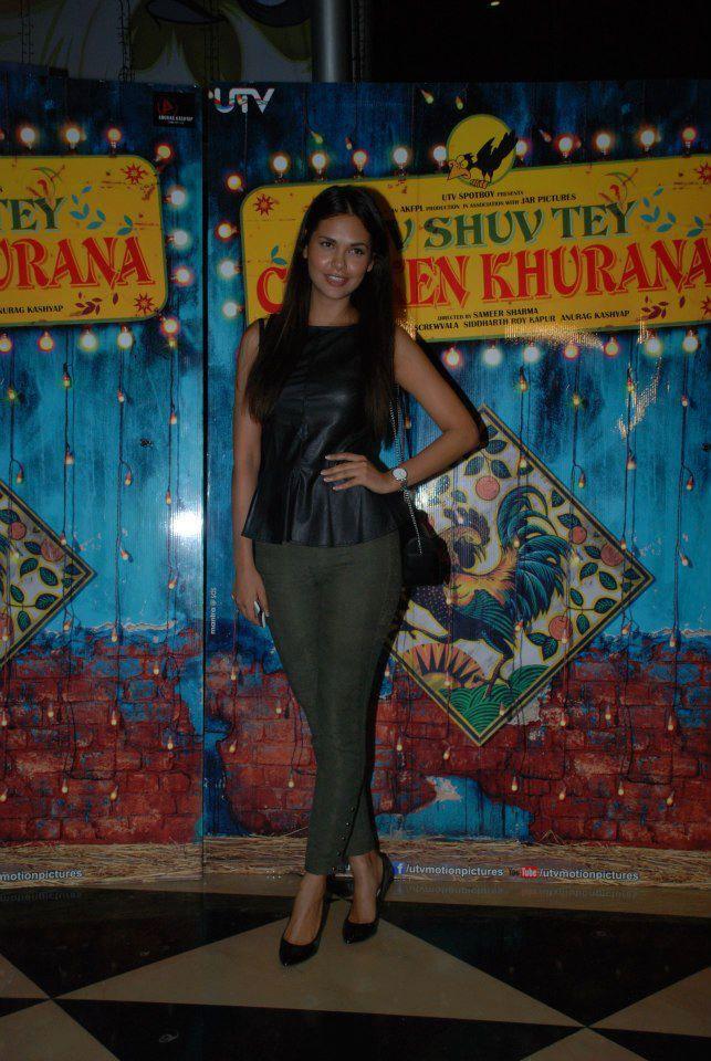 Esha Gupta Attend The Premiere Of Luv Shuv Tey Chicken Khurana
