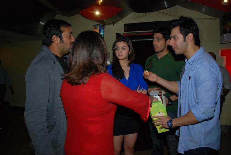 Siddharth,Alia,Farah,Anurag And Varun On Funny Moods At Luv Shuv Tey Chicken Khurana Premiere