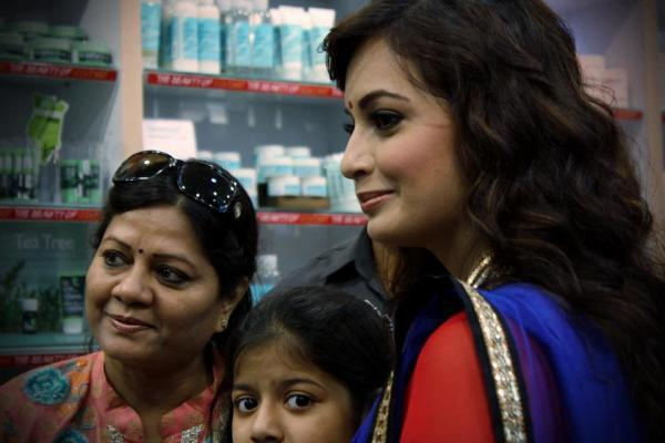 Dia Mirza Spotted At The Body Shop For Its Promotion