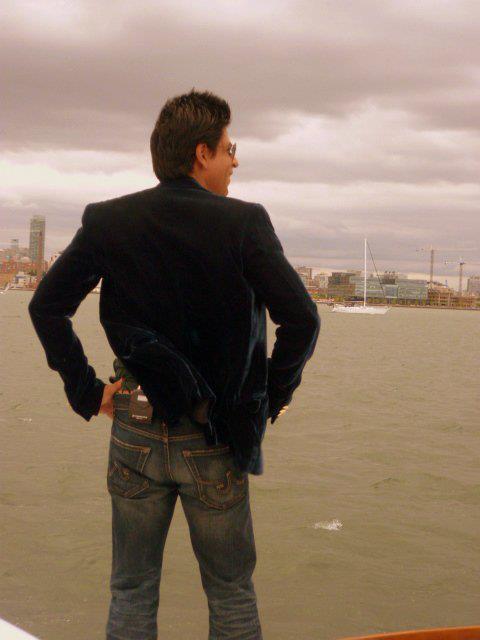Shahrukh Stylish Back Photo Still