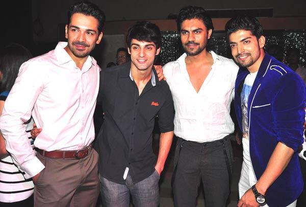 Karan,Gaurav,Gurmeet And Abhinav Posed At Gurmeet Choudhary's Jhalak Success Bash