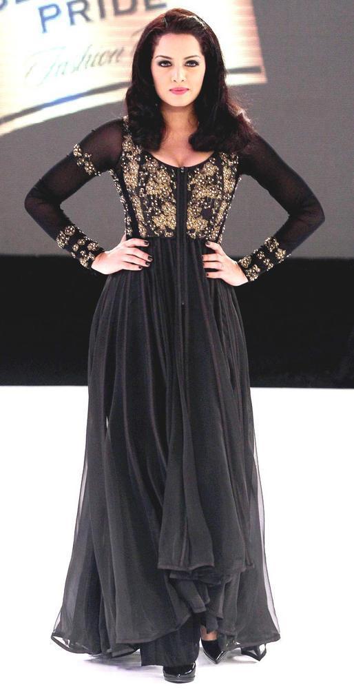 Celina Jaitley Charming Look Still On Ramp