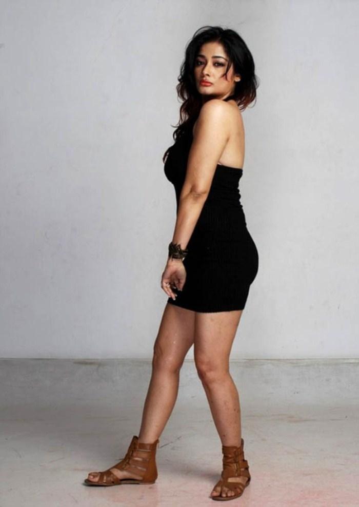 Kiran Rathod Milky Body Show Sexy In Black Dress Still