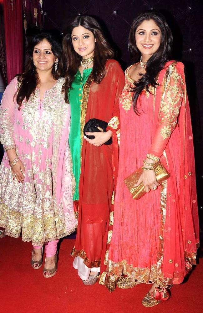Kiran,Shamita And Shilpa Smiling Pose At Kiran Bawa's Diwali Bash
