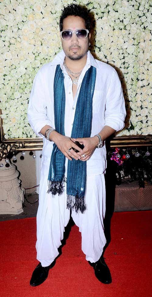 Mika Singh Posed During The Kiran Bawa's Diwali Bash