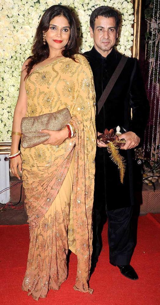 Ronit With Wife Neelam At Kiran Bawa's Diwali Bash