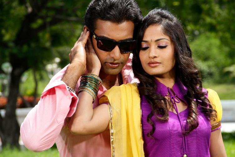 Tarakaratna And MadhaviHot Expression Still From Chudalani Cheppalani Movie