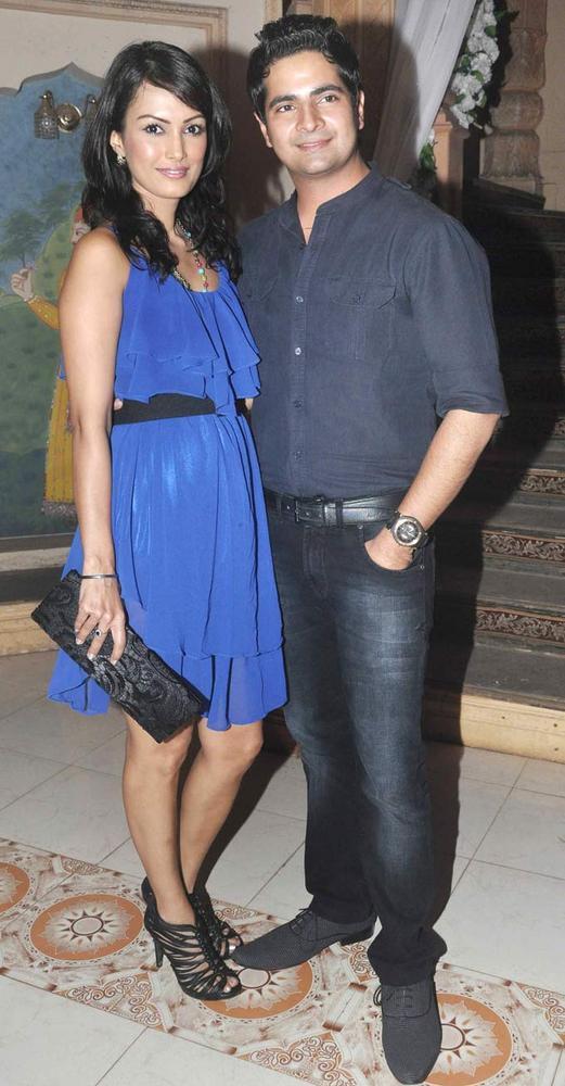 Karan  With Girlfriend Nisha  Nice Look Photo