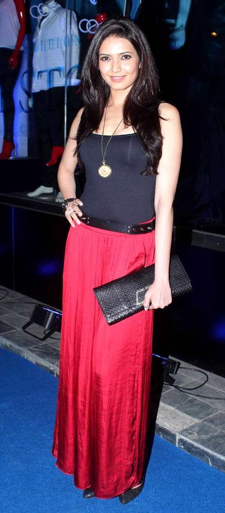 Karishma Tanna Nice Pose For Camera At A Cloth Collection Launch Event